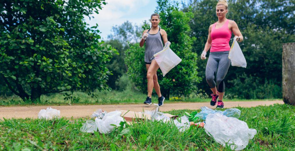 El Plogging, el deporte que combina el ejercicio con el cuidado del medio ambiente